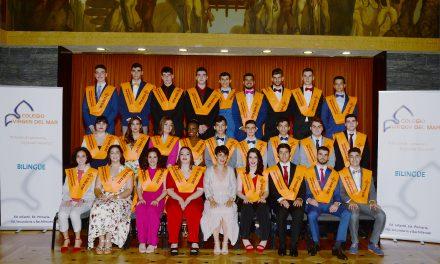 Graduación de Bachillerato: Los alumnos de 2º de Bachillerato reciben su Orla, Insignia y Diploma