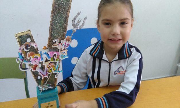 Especial Carnaval de Tenerife 2019: Adriana García Cedrés, alumna de 5º de Infantil ha sido elegida «Sexta Dama de Honor del Carnaval de Santa Cruz de Tenerife»: «Me gustan mucho los colores, por eso me encanta mi traje»