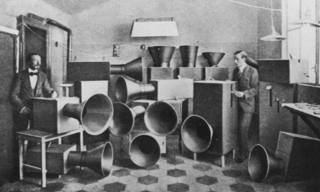 Avant-Garde Music: Innovational timbres, why Rosalía, John Cage or Queen should enter the genre
