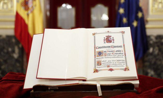 ESPECIAL 40 ANIVERSARIO DE LA CONSTITUCIÓN ESPAÑOLA (1978-2018): Artículo de Opinión, firmado por Agoney Dorta Pérez, alumno de 1º ESO-B